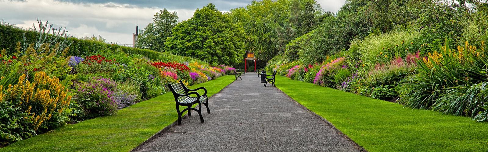 garden_park_road_benches_landscape_86269_3840x2160